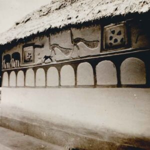 Mud Mural on the outer wall of a traditional tribal house. Photo courtesy: Sanjay Singh