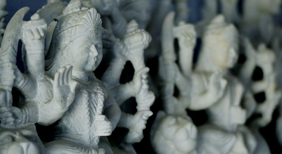 White marble sculptures, Patharkatti, Gaya, Bihar. Photo credit: Tanay Pathak