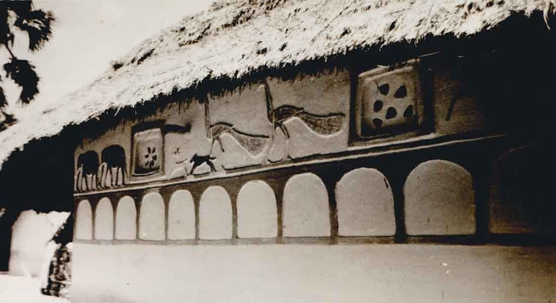 Clay Mural Relief on the outer wall of a tribal family_Pradhaan Tola, Near Purnea. Photo courtesy: Sanjay Singh