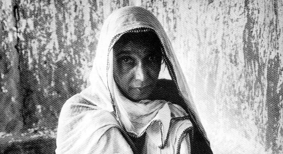 Sita Devi photographed by Edouard Boubat, 1970, for the book The Art of Mithila by Yves Véquaud. Image Credit: http://sita-devi.blogspot.in/